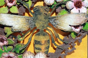 justbecause bee card friend bee close up
