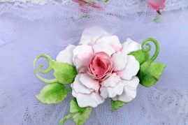 dove-wedding-card-front-bottom-rose-close-up
