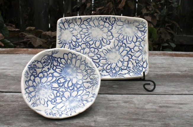 zinnia blue plate and bowl