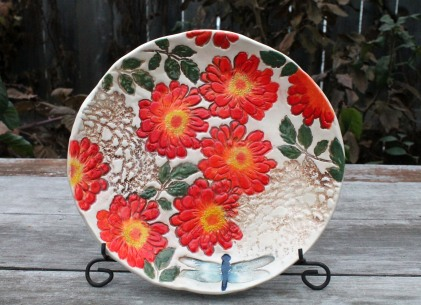 zinnia plate dragonfly front