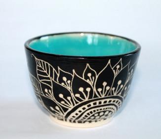 blue black sunflower sgarfitto vase front view